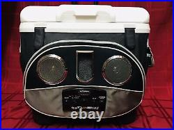 Black/Silver Icy Tunes 40 QT Igloo Cooler w Radio Speakers 19x15x19T
