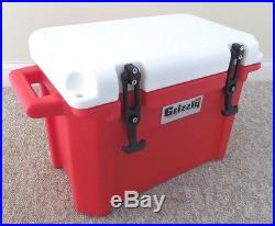 Grizzly 16 Qt Heavy Duty Rotomolded Ice Cooler Red / White