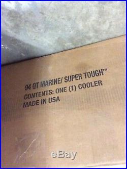 Igloo Marine Ultra Cooler 94-quart READ DESCRIPTION