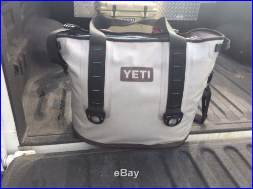 LN 30 Quart Yeti Hopper Bag Cooler
