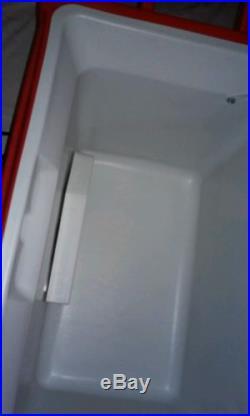 Marlboro Coleman Cigarette Plug In Portable Electric cooler/heater + Extras NM