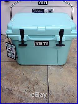NEW! YETI Roadie 20 Quart Cooler Seafoam NEW