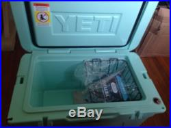 NEW YETI TUNDRA 45 QUART COOLER SEAFOAM LIMITED EDITION