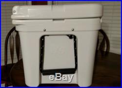 NEW! YETI Tundra Cooler 45 Quart White