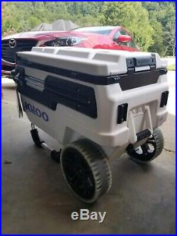 New Igloo Trailmate Marine Roller Cooler Ice Chest