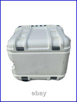 OtterBox Venture 25-Quart Cooler Hudson (White / Blue)