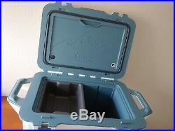 OtterBox Venture 45 Cooler Outdoor. Bear Resistant. 45-Quarts. Bundle
