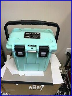 Pelican 20 Quart 20Q-1-SEAFOAMGRY color cooler