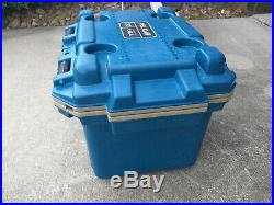 Pelican 30QT Elite Cooler, Blue/Tan, Moderately Used