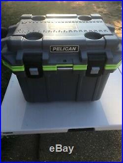 Pelican Elite 30Q1DKGRYEGR Cooler, 30 Qt, Dark Grey/Green