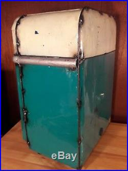 Think Outside EE-I-EE-I-O Little Big Chill Cooler by Aaron Jackson NEW
