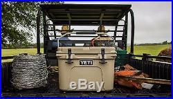 YETI Portable Cooler Roadie Travel 20 quart Desert Tan Color for picnics
